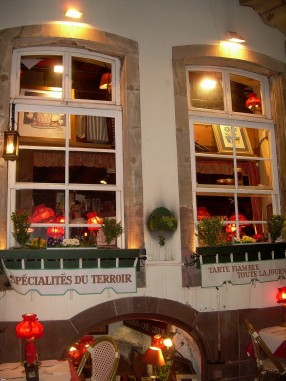 starsbourg-restaurant.jpg