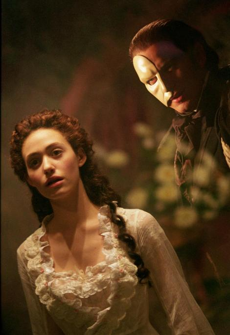 2004_the_phantom_of_the_opera_001