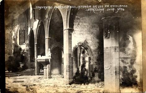 biserica incendiata